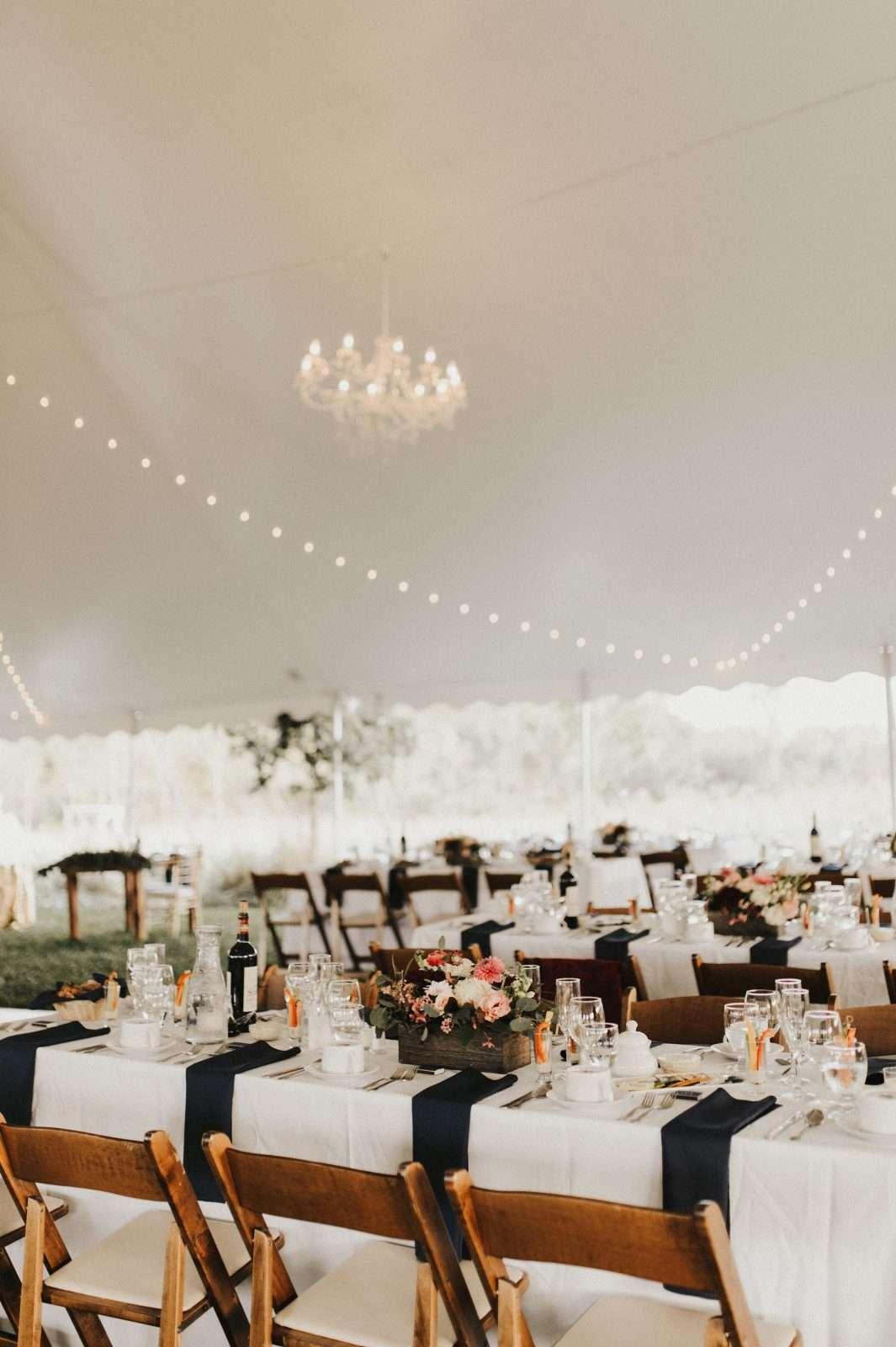 Bistro Lighting Farm Tables 60 X100 Pole Tent