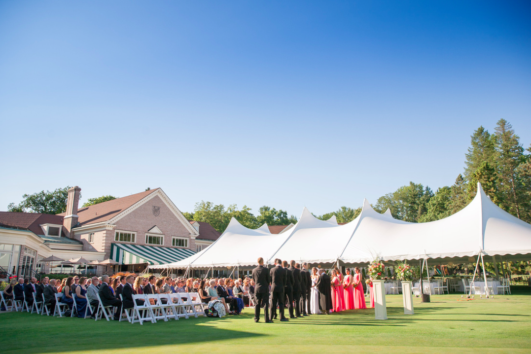 Classic Brides How To Create The Perfect Outdoor Wedding